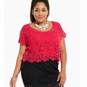 Torrid Crop Top Lace Shortsleeved Size 1